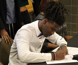 Juan Powell signs with ECU!
